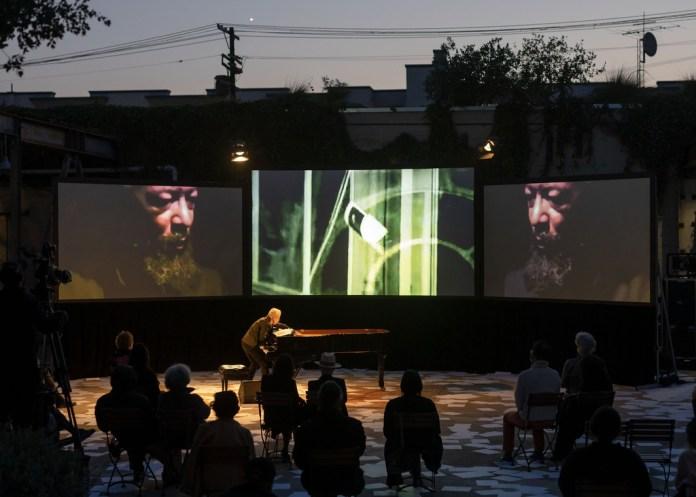 Catherine Taft on David Hammons's Global Fax Festival performance