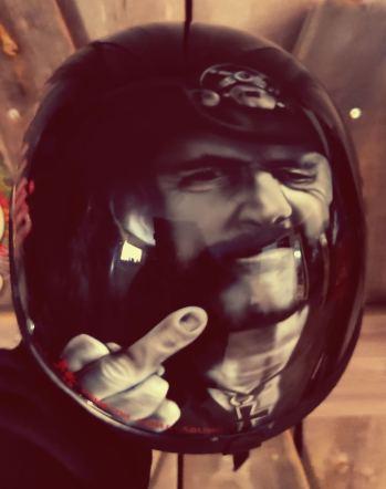 Lemmy kypärä