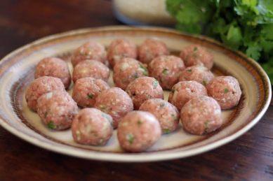 rolling turkey meatballs