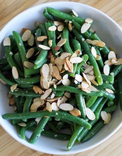 Garlic Green Beans with Toasted Almonds