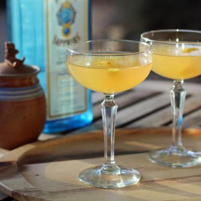 The Bee's Knees – A Vintage Cocktail