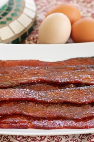 Sweet and Spicy Glazed Bacon