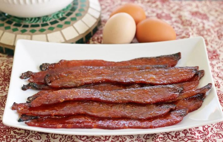 Sweet and Spicy Glazed Bacon - The Best Brunch Bacon | artfuldishes.com