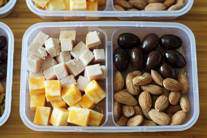 Protein Snack Boxes with Turkey and Cheese, Chocolate Covered Almonds Smoked Turkey Cojack Cheese | www.artfuldishes.com