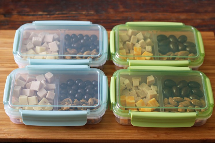 Protein Snack Boxes with Turkey and Cheese Ready to Go | www.artfuldishes.com