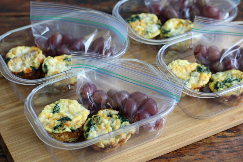 Meal Planning - Mini Frittata Protein Breakfast Boxes with Fruit | www.artfuldishes.com