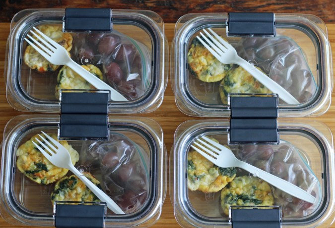 Meal Planning - Mini Frittata Protein Breakfast Boxes with Grapes | www.artfuldishes.com