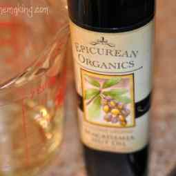 Organic Macadamia Nut Oil from Mountain Rose Herbs