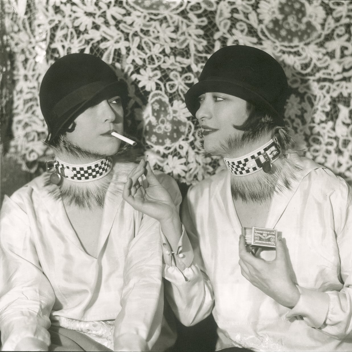 S Jazz Age Fashion And Photographs Exhibition At