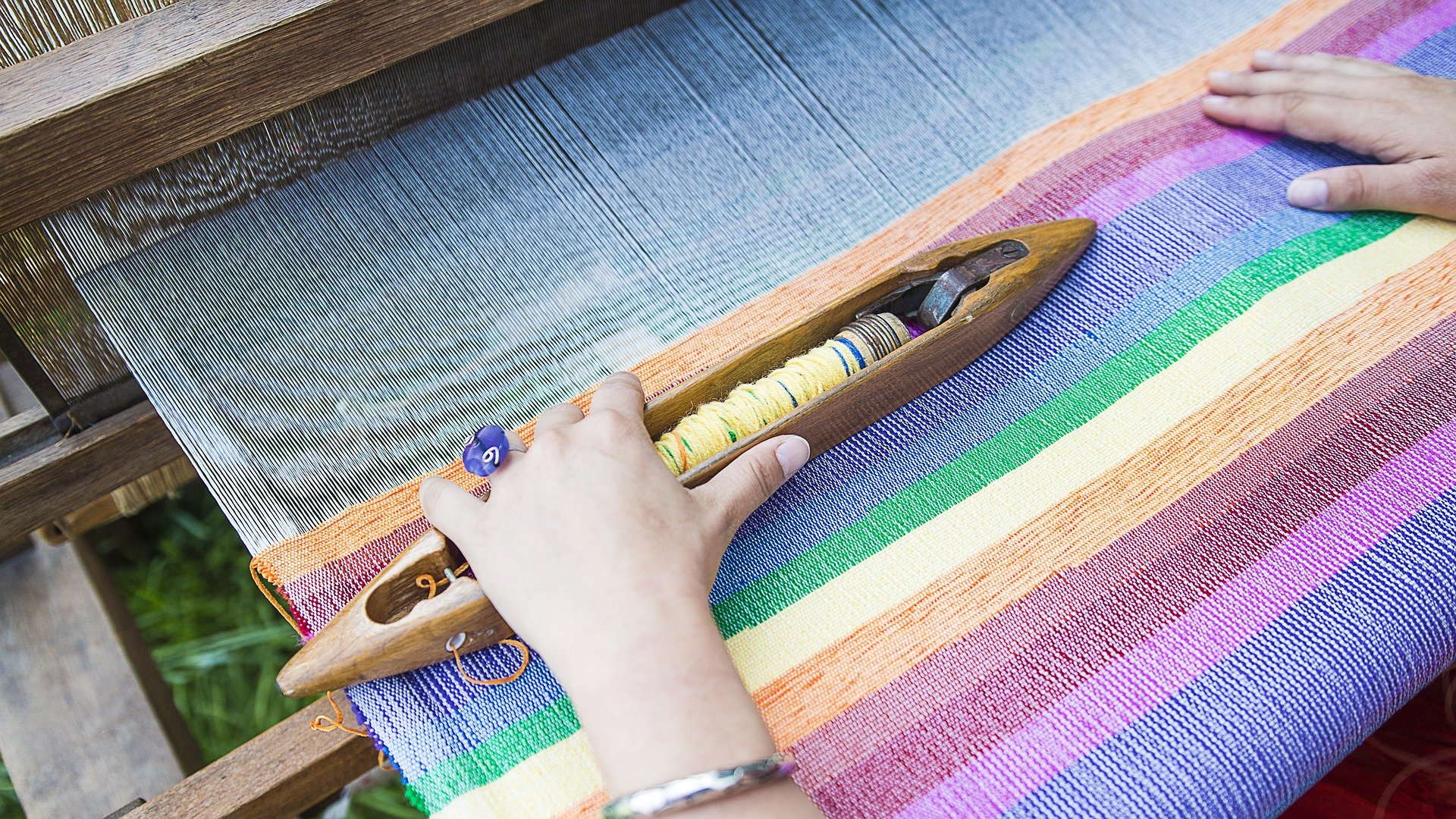 weaving-loom-2571179_1920