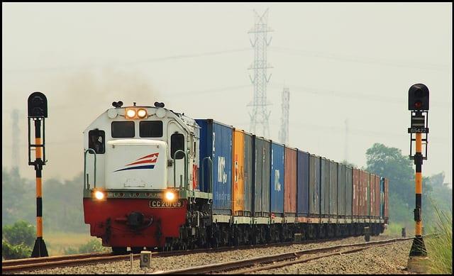 Strategi Pengembangan Bisnis Pengiriman Barang Melalui Kereta Api