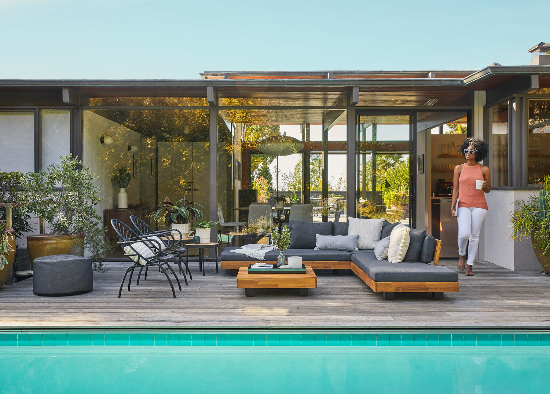 the ultimate guide to outdoor cushions