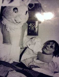 creepy-easter-bunny-pic-hospital