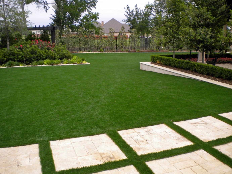 Fake Grass Pueblitos, New Mexico Backyard Deck Ideas ... on Turf Yard Ideas id=87672