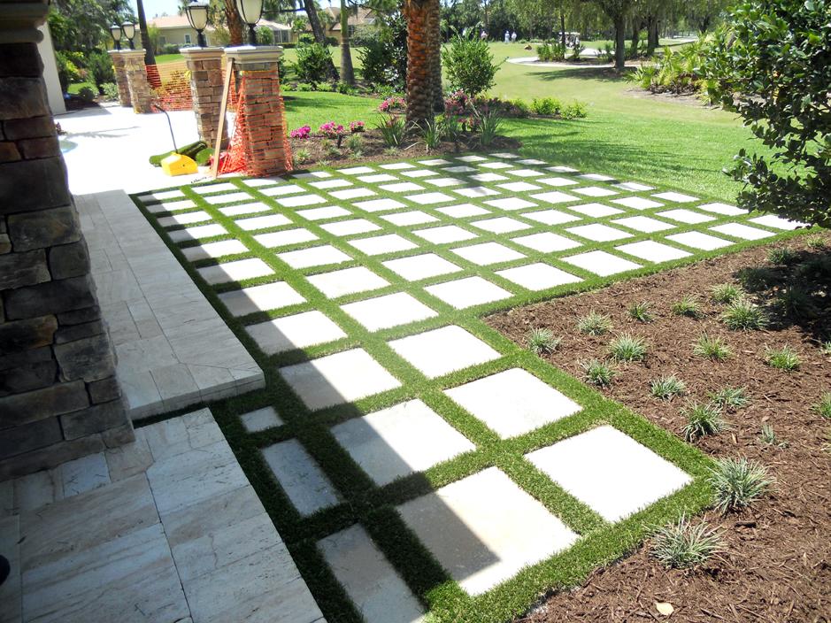 Synthetic Grass Gopher Flats, Oregon Paver Patio, Backyard ... on Backyard Pavers And Grass Ideas id=71748