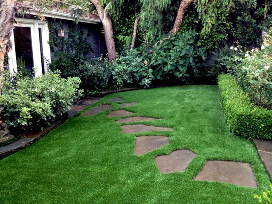 Fake Grass Carpet East Port Orchard, Washington Backyard ... on Turf Backyard Ideas id=78250