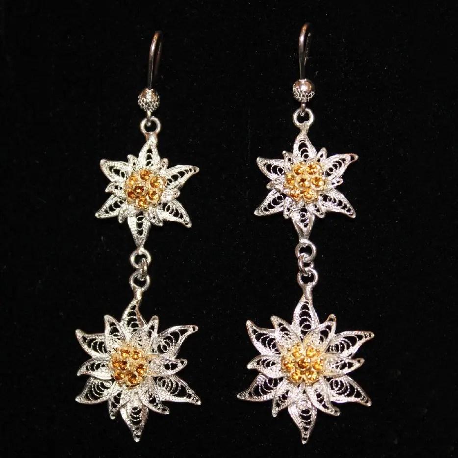 orecchini pendenti in filigrana d'argento e cristalli Swarovski raffiguranti due stelle alpine cm 6.5
