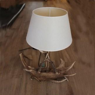 lampada da tavolo in corno di daino e cervo con paralume in tessuto compreso cm. 56