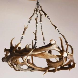 Lampada da tavolo con corno ariete e paralume in ceramica liadrò con base in radica cm. 26
