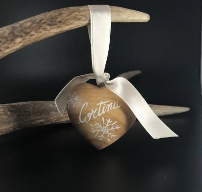 Cuore in legno dipinto a mano cm 6 disegni vari