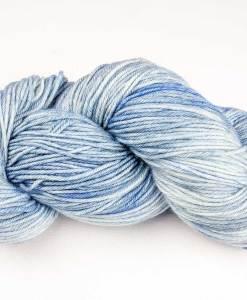 Laine teinte à la main - Worsted cachemire - Bleu jean - Artigina