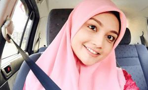Kisah Mesum Clara Mahasiswi Jilbab Cantik Di Kampus