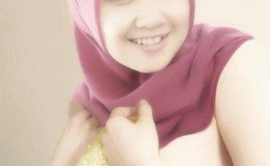 Dibalik Jilbab Dewi