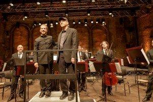 In Primo piano Steve Reich, Leone d'oro, e il direttore del concerto Jonathan Stockhammer (a sinistra) al Teatro alle Tese dell'Arsenale. Credits Akiko Miyake
