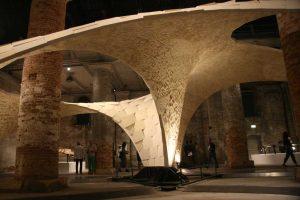 The war on bending, Block Research Group, Biennale Architettura di Venezia, Arsenale, 2016 (foto Alessio Bortot)