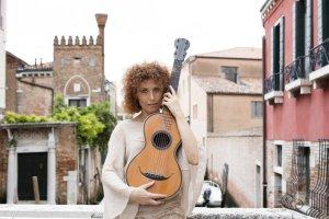 La musicologa Nicoletta Confalone a Venezia. Foto Octavian Miclausanu