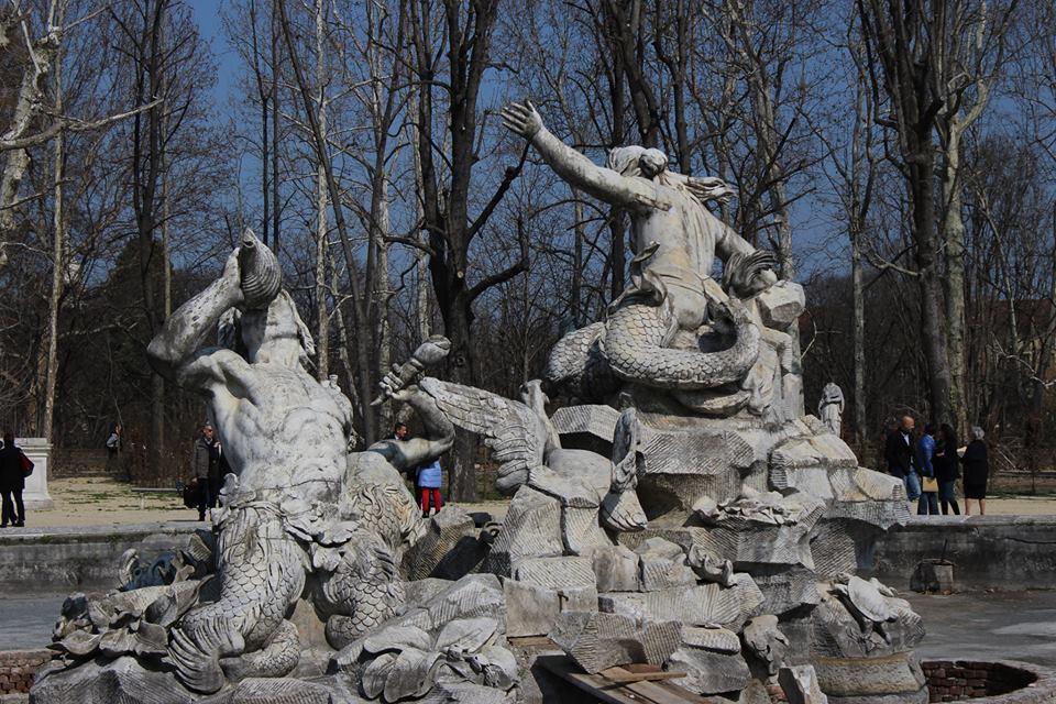 Risultati immagini per fontana dei tritoni torino