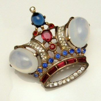 An example of Trifari's crown brooches produced during the 1940s. (Photo from Trifari Vintage Jewelry)