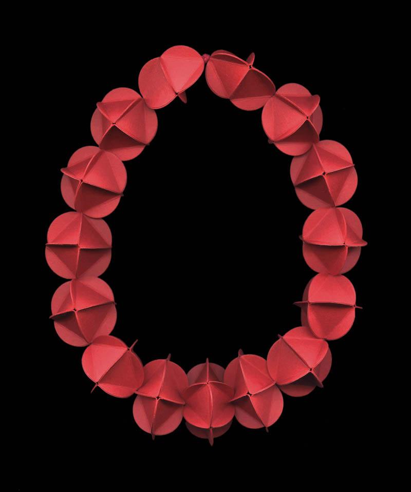 Paper necklace by Elsa Mora