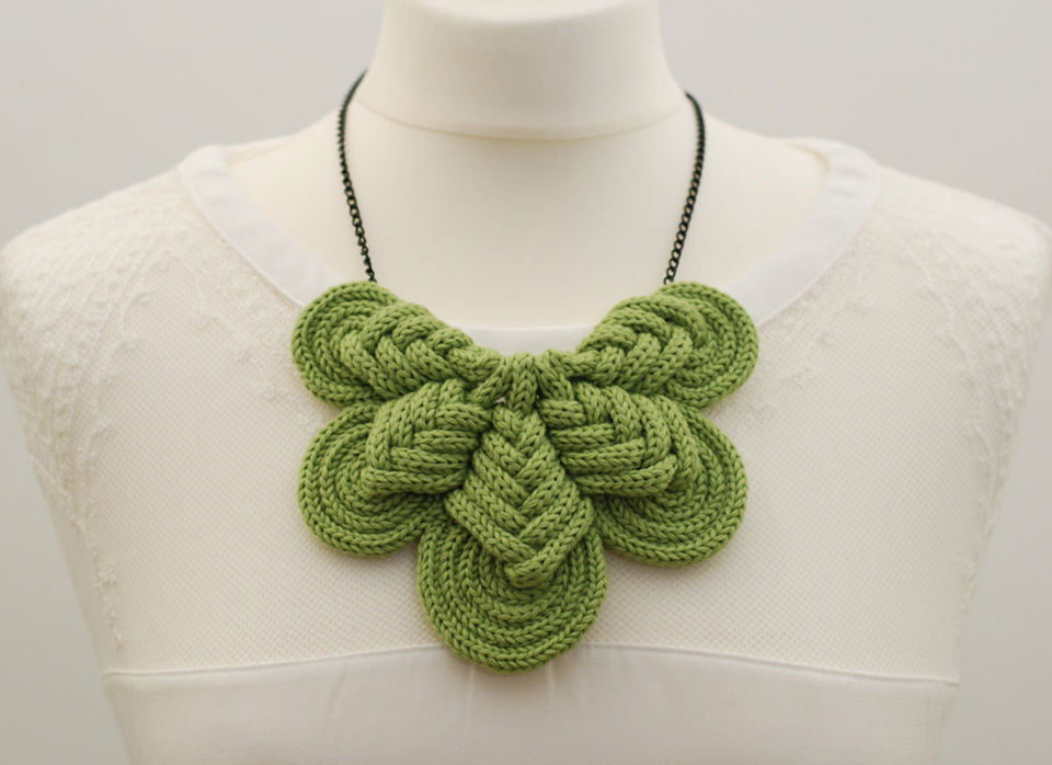Wool Necklaces from Zorra Shop.
