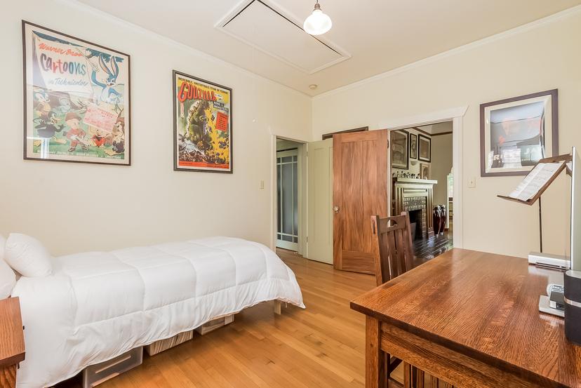 022-Bedroom-1096044-mls