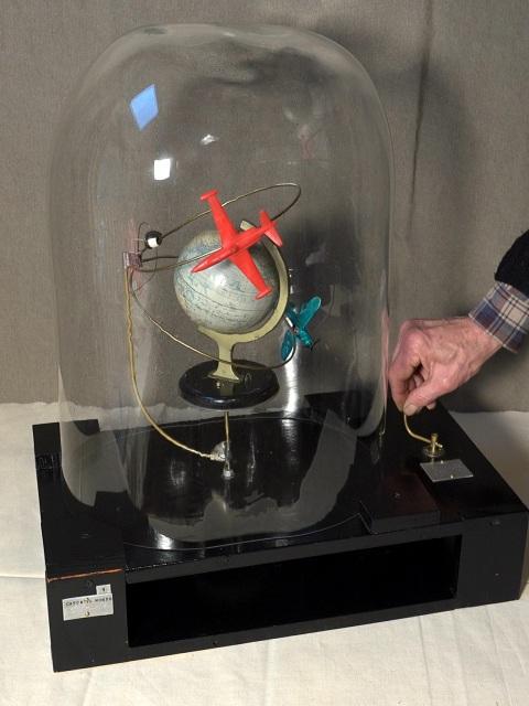 Nelli Picard-Casca il mondo-Sculpture animée-53X30X62 cm