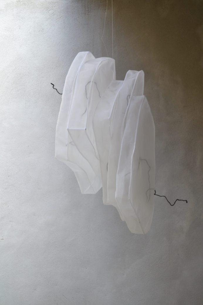 Isao-Strates-5-553545-cm-bloc-et-fils-de-fer
