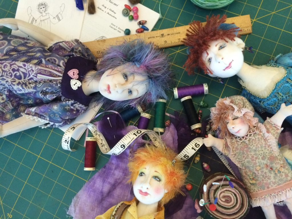Diana Baumbauer talks about the joy of doll-making and how forcing ideas does nothing for your creativity today on Artist Strong. Discover how she gets unstuck.