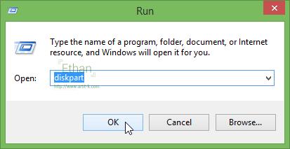 กดปุ่ม Windows + R บน Keyboard หรือไปที่ Windows > Run แล้วพิมพ์ diskpart กด Enter เพื่อเข้าสู่โปรแกรม diskpart