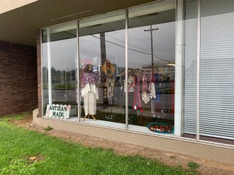 Artizan Made display window, Paducah