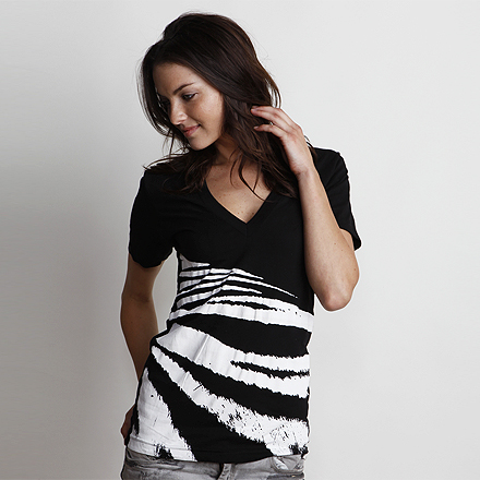 Tigress Black White V-Neck