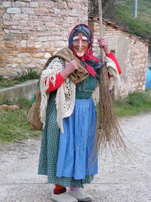 befana-italian-christmas-witch-Dreaming-Sophia-Excerpt-Novel-set-Italy