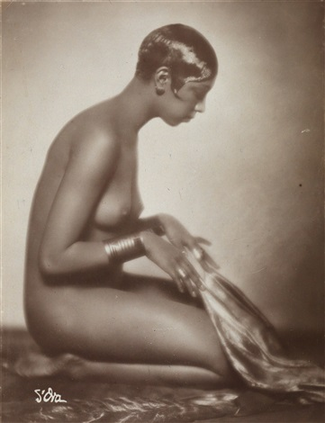 Josephine Baker photographed by Dora Kallmus (aka Madame d'Ora)