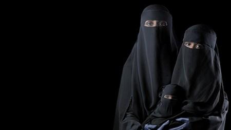 The Women of the Arab Art