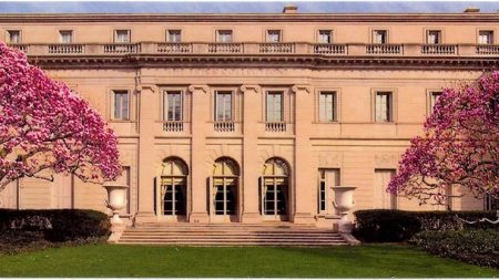 Frick Collection's Board of Trustees Elects