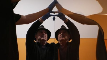 Coast Coast: Frank Stella and Larry