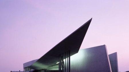 Pioneering Architect Zaha Hadid Dies 65