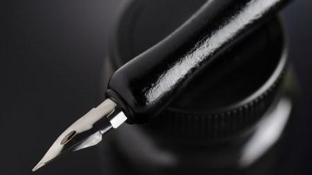 Retro classic nib pen for hand
