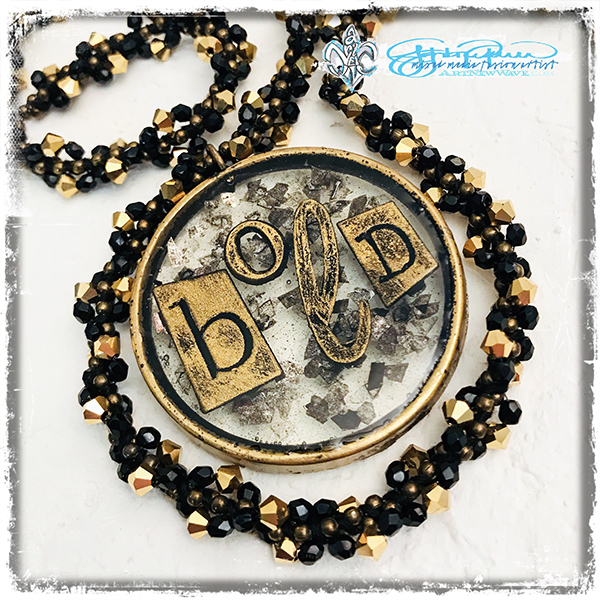 Definition_BOLD_necklace