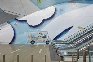 Mosaico I Love New York de Laura Owens en el aeropuerto de La Guardia